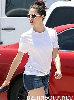 Обрезанные джинсовые шорты