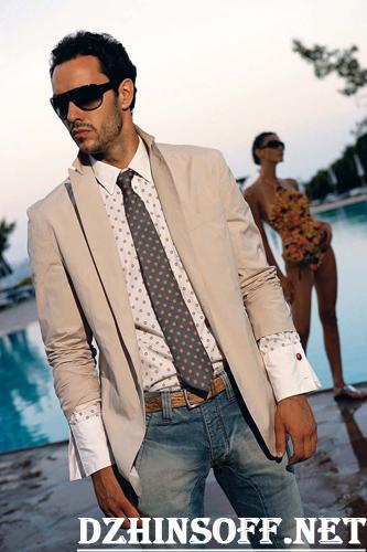 сочетание джинсов с галстуком